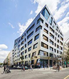 Sapphire - Libeskind Chinese Architecture, Modern Architecture House, Futuristic Architecture, Modern Houses, Berlin Hotel, Daniel Libeskind, Zaha Hadid Architects, Santiago Calatrava, Acre