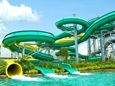 17 OUT-OF-THE-ORDINARY THINGS TO DO IN KUTA, BALI Bali Travel Guide, Asia Travel, Bali With Kids, Water Bombs, Kid Friendly Restaurants, Kuta Bali, Bali Holidays, Beach Kids, Water Slides