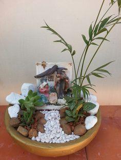 Fairy Garden Pots, Garden Art, Garden Design, Miniature Plants, Miniature Fairy Gardens, Succulent Terrarium, Succulents Garden, Garden Crafts, Garden Projects