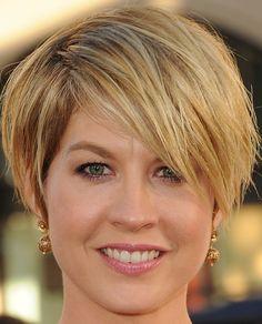Jenna Elfman Messy Cut - Short Hairstyles Lookbook - StyleBistro