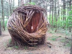 Tree hut The willowman Floriade 2012 Venlo Garden Art, Garden Design, Tree Hut, Sculpture Art, Metal Sculptures, Abstract Sculpture, Bronze Sculpture, Forest Art, Glamping
