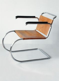 Mies van der Rohe, Cantilever MR Armchair-Prototype, Berlin, circa 1931.