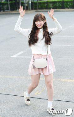 아린 Kpop Fashion, Cute Fashion, Korean Fashion, Simple Outfits, Casual Outfits, Arin Oh My Girl, Kpop Girl Bands, South Indian Actress, Korean Outfits
