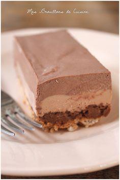 Entremets aux deux chocolats et croustillant au praliné