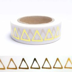 Masking tape triangles dorés