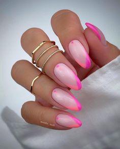 Almond Acrylic Nails, Almond Shape Nails, Summer Acrylic Nails, Best Acrylic Nails, Pastel Nails, Pink Nails, Summer Nails, Almond Nails Designs Summer, Green Nail Designs