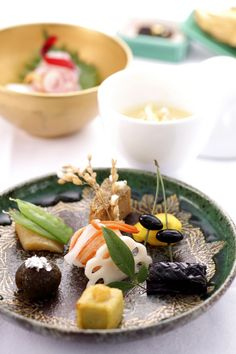 Japanese food Japanese Food Sushi, Japanese Dishes, Japanese Sweets, Nihon, Sashimi, International Recipes, Food Design, My Favorite Food, Asian Recipes