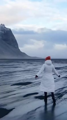 mariashotelcheck on Instagram: Absolutely amazing here on earth 🌍📍Iceland 🇮🇸 🏨 📲 Tag a friend that has to see this! (📷: @asasteinars ) Follow @mariashotelcheck for more!… Beautiful Places To Travel, I Want To Travel, Amazing Places, Beautiful World, India Travel, Thailand Travel, Japan Travel, Italy Travel, Drone Photography
