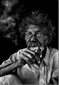 ♂ Black and white man portrait Agaria Tribal Smoker Diane Arbus, Black And White People, Black And White Pictures, Black And White Portraits, Black And White Photography, Black Background Photography, People Photography, Portrait Photography, Photography Ideas