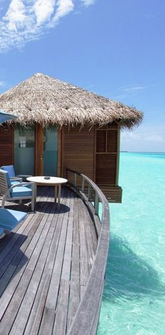 http://10amazingpics.blogspot.com/2013/04/the-amazing-maldive-islands-part-iii10.html