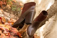 #booties #vincecamuto #ankleboots #botines #shoes #zapatos #suede #cuero #ante #leather #brown #fallwinter  New Shoes: Leather & Suede Point Toe Booties by Vince Camuto | With Or Without Shoes - Blog Moda Valencia Tendencias