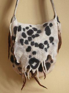 "photo of a felt bag - сумка""LEO"" или снежный барс Wet Felting Projects, Felting Tutorials, Handmade Handbags, Handmade Bags, Nuno Felting, Needle Felting, Felt Purse, Art Bag, Felt Birds"