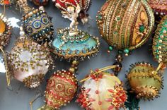 beaded ornaments 60's /70's (collection Linda Pastorino)
