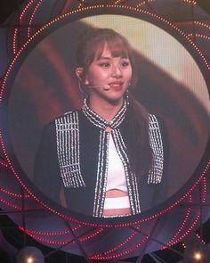 Omg chaeyoung ponytail !!! @ twice encore #twice #mina #chaeyoung #tzuyu #jeongyeon #sana #momo #jihyo #nayeon #dahyun #jype #jypetwice #twiceland #twiceknockknock #jyp #jypentertainment #트와이스