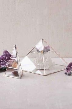 ABJ Glassworks Vega Pyramid Box
