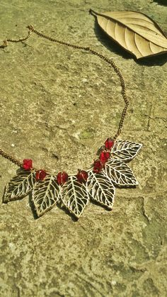 Golden designed jewelry leaf neckpiece crystal necklace chain