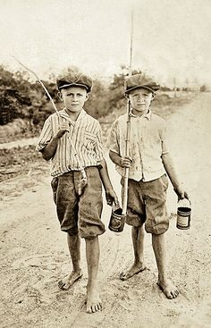 +~+~Vintage Photograph~+~+ Friends out for a day of fishing with homemade fishing rods.