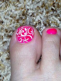 Toe nail design. Swirls toe nail art.