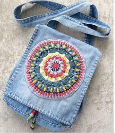 Marvelous Crochet A Shell Stitch Purse Bag Ideas. Wonderful Crochet A Shell Stitch Purse Bag Ideas. Fabric Purses, Fabric Bags, Jean Purses, Purses And Bags, Denim Handbags, Denim Purse, Denim Crafts, Upcycled Crafts, Denim Ideas