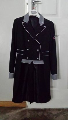 Beautiful black and gray accented coat - Just Riding 2014