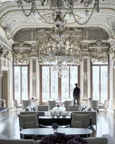 """Minh T on Instagram: """"Embracing my maximalist side at the sumptuous Aman Venice. The building dates back to the 1500s but the restored interiors are from the 1800s. @Aman #amanvenice"""""""