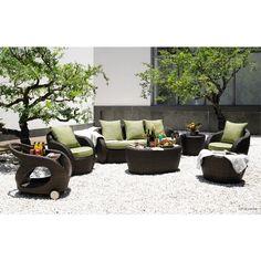 Le salon de jardin 6 places KUMBA en résine tressée (marron ...