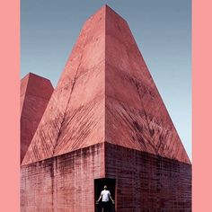 The beautiful pink-hued Casa das Histórias Paula Rego is a museum in Cascais, Portugal. Designed by the architect Eduardo Souto de Moura to house some of the incredible works of the artist Paula Rego. Photo credit @andreas_lambrinos . . . #london #design #festival #ldf18 #architecture #pink #millenialpink #blushpink #portugal #museum #archilovers #riseandshine