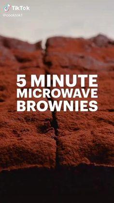Microwave Cookies, Microwave Brownie, Microwave Baking, Microwave Recipes, Easy Brownies, Baking Brownies, No Bake Brownies, Chocolate Brownies, Mug Dessert Recipes