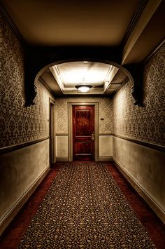 Room 217 at the Stanley Hotel in Estes Park, Colorado. This hotel was the inspiration for The Shining, written by Stephen King. Spooky Places, Haunted Places, Abandoned Places, Abandoned Buildings, Haunted Hotel, Haunted Mansion, Colorado Springs, Paranormal, The Stanley Hotel