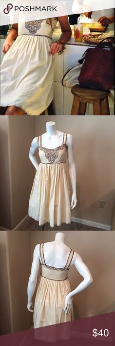 "Viola Antgropologie sz 2 Lupita dress Viola Anthropologie size 2 cream Lupita dress. This dress is 100% cotton and stunning!!! Bust 16.5"", waist 14"", length 36"". Anthropologie Dresses Midi"