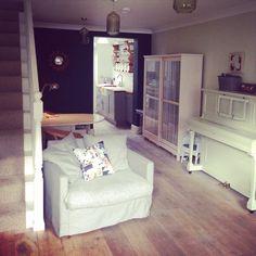 Living room Home Renovation, Corner Desk, Living Room, Bed, Projects, Furniture, Home Decor, Corner Table, Log Projects