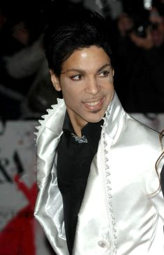 Beautiful one ● Extra Beautiful here ● Prince white satin Prince Images, Pictures Of Prince, The Artist Prince, Prince Purple Rain, Handsome Prince, Thing 1, Roger Nelson, Prince Rogers Nelson, Purple Reign