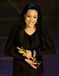Angelina Jolie Young, Angelina Jolie Photos, Oscars 2013, Hooray For Hollywood, Oscar Winners, Female Actresses, Perfect Woman, Brad Pitt, Red Carpet Fashion