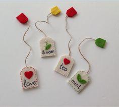 4 Fantastic Ideas For Tea Lovers tea hacks DIY plant Felt Crafts Diy, Fabric Crafts, Sewing Crafts, Sewing Projects, Craft Projects, Crafts For Kids, Diy Bookmarks, Crochet Bookmarks, Handmade Felt