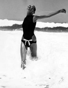 Photo Franco Rubartelli, ca 1968, Veruschka wearing a Rudi Gernreich black maillot, Itapoa, Brazil, Condé Nast Archive.