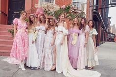 LoveShackFancy Fêtes Its New Bleecker Street Store With the Dreamiest Dinner Hippie Outfits, Style Outfits, Komplette Outfits, Wedding Bells, Our Wedding, Dream Wedding, Bridesmaid Flowers, Bridesmaid Dresses, Wedding Dresses