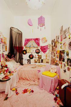 112 best teenage bedrooms images teen girl bedrooms bedroom decor rh pinterest com