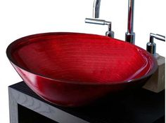Un tocco acceso di rosso per questo #lavandino ideato da Boxart www.gasparinionline.it #design #home #casa #bagno #interiordesign