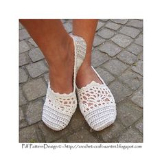 Lace and stripes, basic crochet slippers!