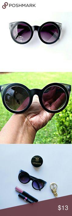 Retro round cat eye sunglasses *Brand New Adorable large frame retro round women's sunglasses Accessories Glasses