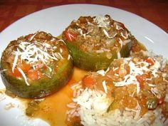 Zapallitos rellenos estofados Carne Picada, Sprouts, Zucchini, Potatoes, Vegetables, Cooking, Kitchen, Foodies, Salads