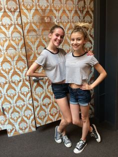 G Hannelius / Taylar Hender G Hannelius, Disney Channel Stars, Disney Stars, Short Celebrities, Celebs, Dog With A Blog, Disney Actresses, Molly Quinn, Actresses