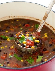 Super Easy 20 Minute Black Bean Soup! A hearty, filling vegetarian soup! Hi guys! It's Kelley back from Chef Savvy! Today I am sharing with you my 20 Minute Black Bean Soup! This soup is loaded with flavor, takes only 20 minutes to make and is vegetarian! This soup is loaded with tons of black beans, …