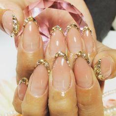 バーチャルフレンチキラキラスワロ⭐️ めっちゃツヤツヤキラキラでした٩(♡´³`♡)۶ #nail#nails#nailart#naildesign#acrylicnails#frenchnails#ネイル#スカルプ#バーチャルフレンチ#フレンチネイル#キラキラネイル#オフィスネイル#シンプルネイル