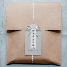 One Fine Dae packaging and branding (inspiration for gift wrap - brown paper bag, string with notecard) Wrapping Ideas, Wrapping Gift, Creative Gift Wrapping, Creative Gifts, Paper Wrapping, Paper Packaging, Pretty Packaging, Brand Packaging, Gift Packaging