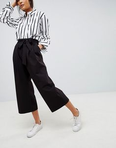 Magnificient Women Work Pants Outfit Ideas For Spring Cool Outfits, Casual Outfits, Fashion Outfits, Normcore Fashion, Coulottes Outfit, Culotte Style, Mode Simple, Pantalon Large, Mode Blog