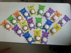 Preschool First Day, Arabic Alphabet Letters, Birthday Charts, Bear Card, Bear Crafts, Candy Bouquet, Art N Craft, School Gifts, Diy Christmas Gifts