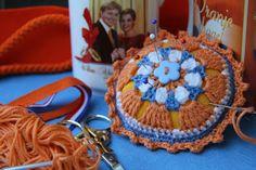 Haken en Kralen... by EveLYn : Oranje Boven Speldenkussen