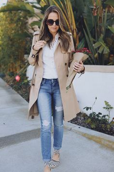 See the week's most inspiring street style spring / summer outfit ideas, from tomboy inspired attires to chic spring layers. Get the looks here! Espadrilles Outfit, Casual Summer Outfits, Stylish Outfits, Spring Outfits, Fashion Outfits, Outfit Summer, Jeans Fashion, Modest Outfits, Trench Coat Outfit