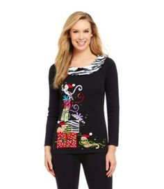 Cute Christmas sweater with kittens and Christmas presents!